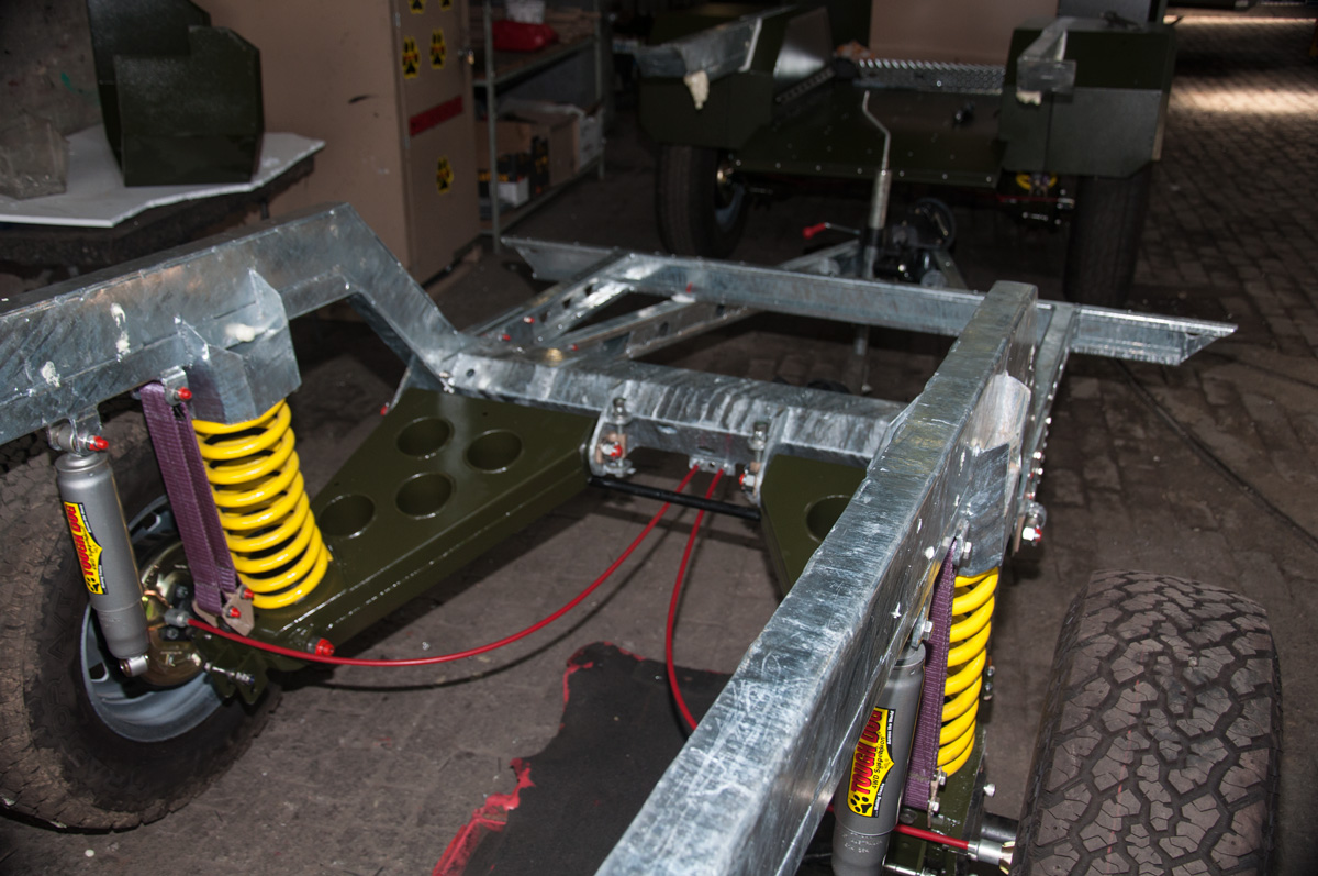 3-Hot-dip-galvanized-ladder-chassis-1.jpg