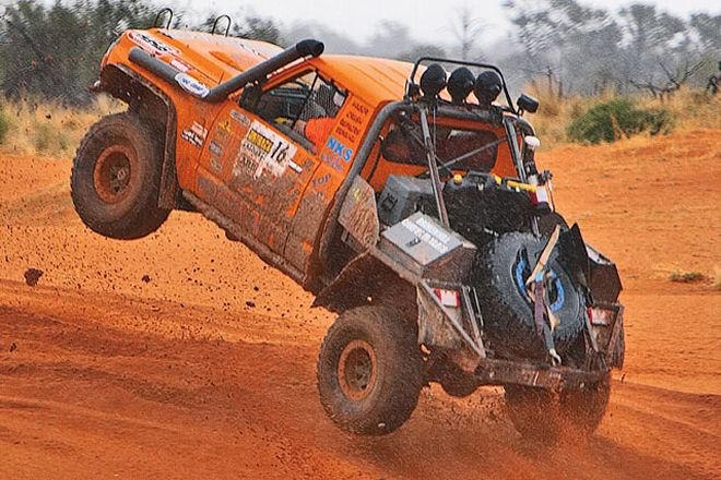 0802or_13_z+australia_off_road_2007_warn_arb_outback_challenge+tough_trucks_nissan_patrol.jpg